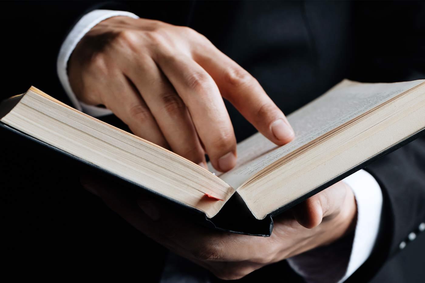 Τι σημαίνει φιλότιμος. Πως μεταφράζεται στα Αγγλικά;
